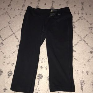 NEW!!!with tags Nike capris pants!!:)